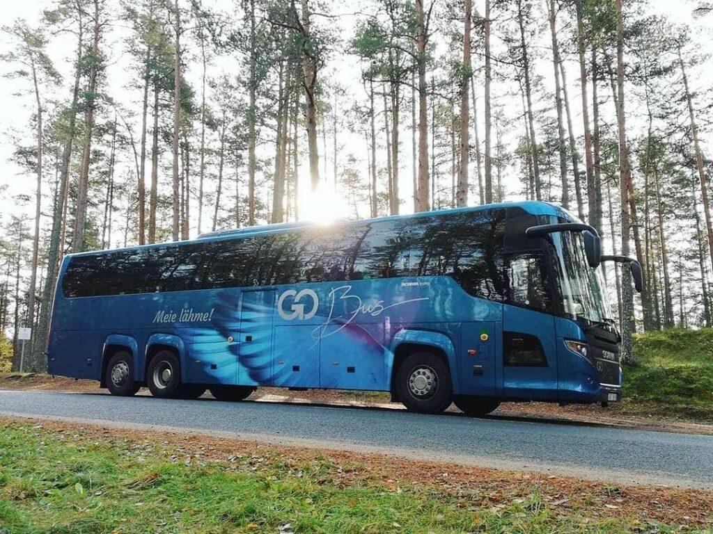 Hiiumaale bussiga